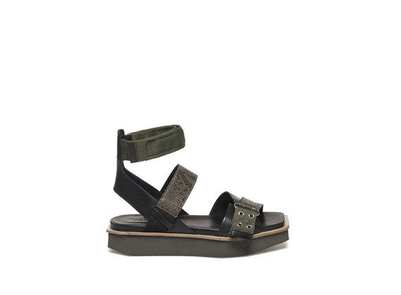 Militärgrüne Sandale mit flacher Sohle aus EVA