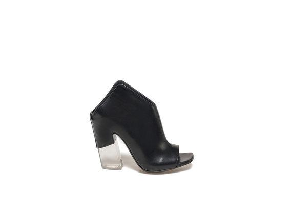 Peep-toe sabots with plexi heel