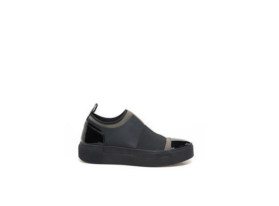 Neoprene slip-on shoes in military-green with elastic