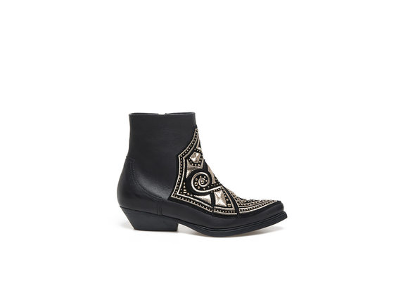Low ankle boot with gold embroidery all over