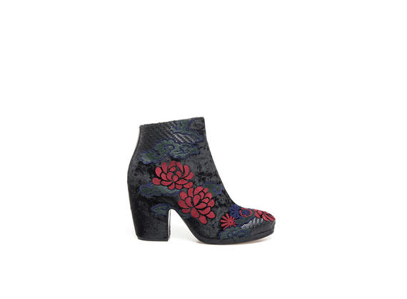 Velvet ankle boots with floral embroidery