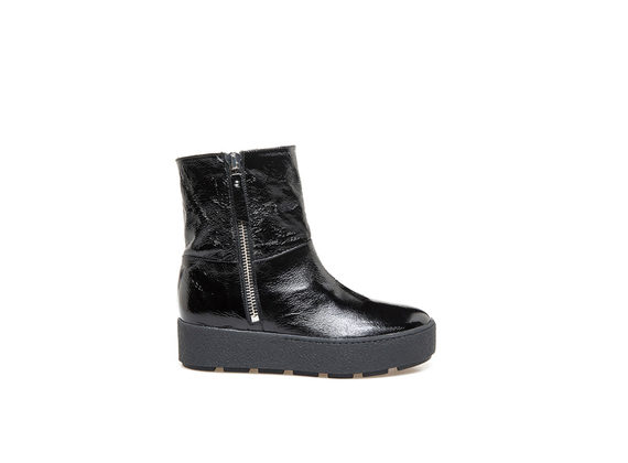 Bottines en cuir naplak avec revers mouton