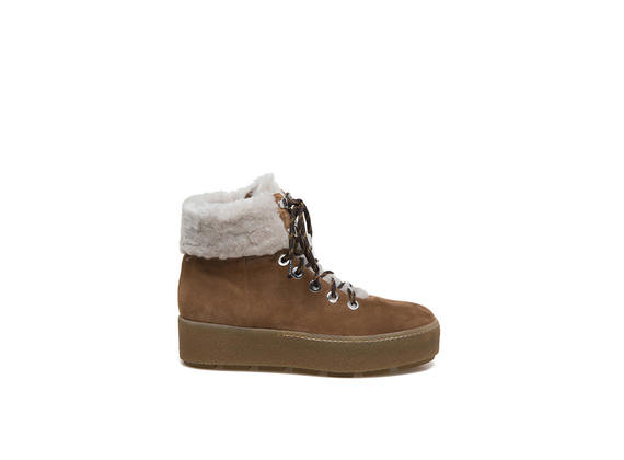 leather-coloured lace-up ankle boots with sheepskin