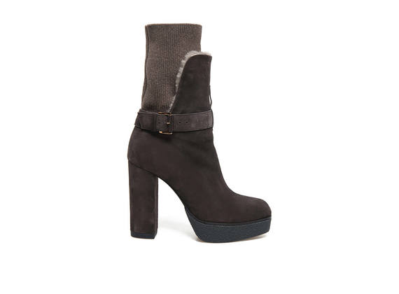 Brown suede booties with sheepskin inner sock and tongue