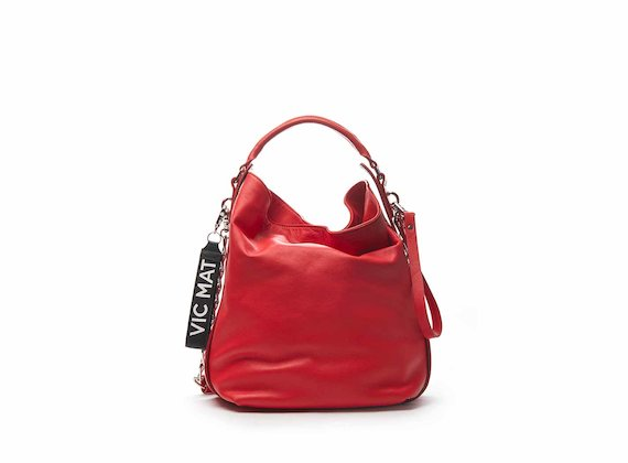 Frida red bucket bag with chain shoulder strap