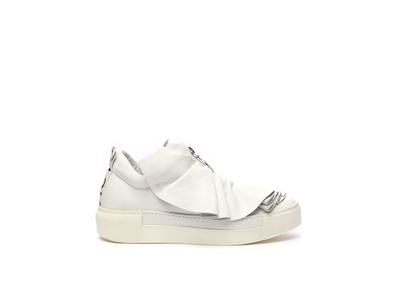 White leather sneaker with ruches
