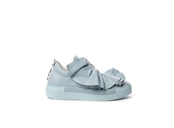 Sneakers à fronces en cuir bleu clair poudré