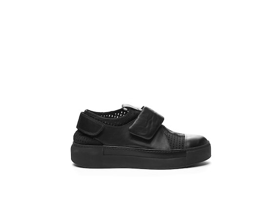 Sabot shoe with Velcro and perforated sock
