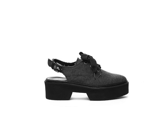 Chanel-style Derby shoe in stonewashed cotton with a flatform sole