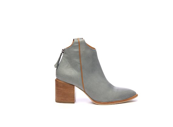 Texan half boot in sky blue leather