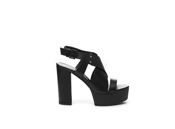 Sandales avec brides croisées et plateforme - Noir