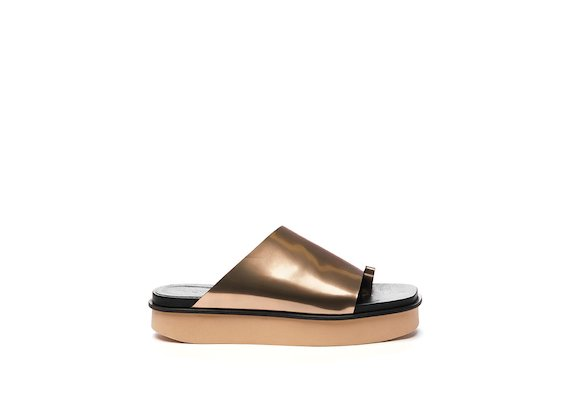 Rose gold mirrored leather slipper on flatform sole