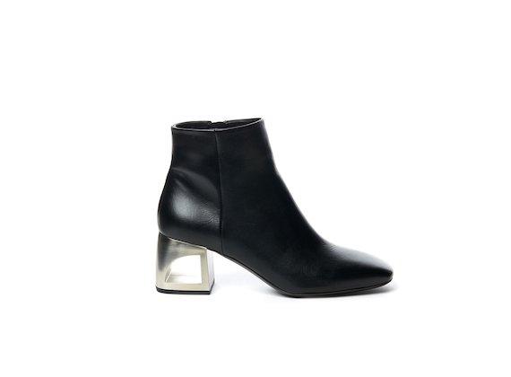 Black half boot with hole heel - Black