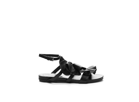 Flat sandal with ruches - Black