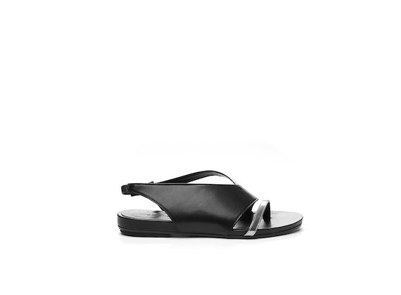 Asymmetrical sandal with black/silver colour block