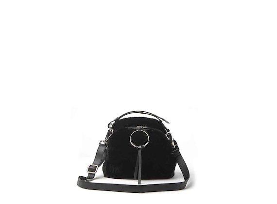 Clarissa<br />mini bag in pelliccia con anello