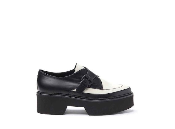 Derby flatform shoes with buckle and monoblock sole