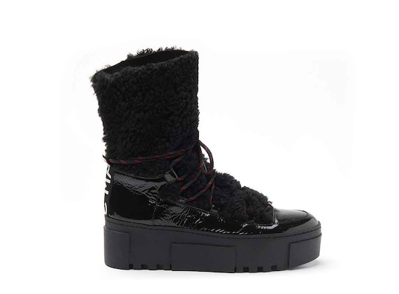 Hiking-style patent leather ankle boots with sheepskin and a rubber box sole