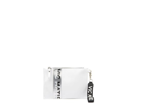 Madeline<br />White clutch with silver logo