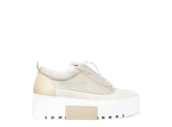 Nylon shoe with elasticated drawstring