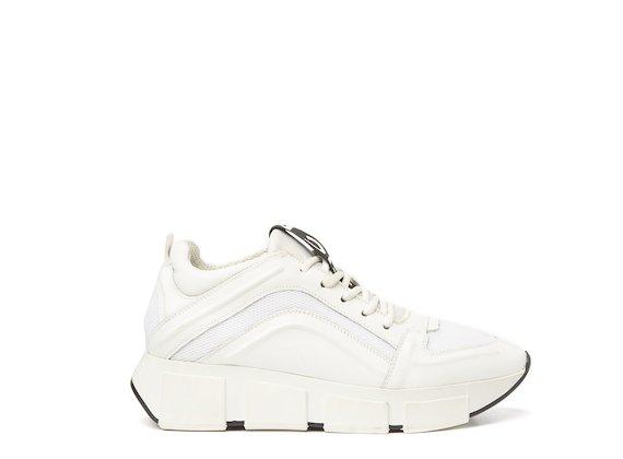 Running shoe total white