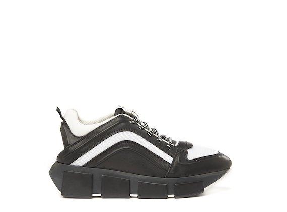 Running shoe nera