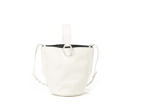 Kalia<br>White bucket bag with metal ring