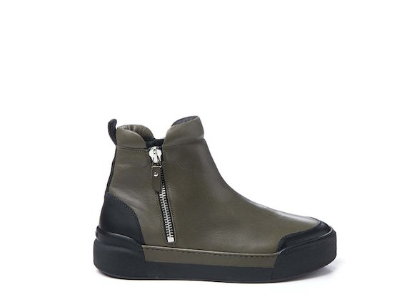 Army green ankle boot with metal zip