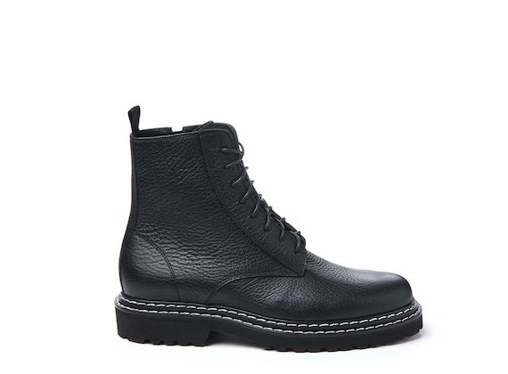Contrast stitching combat boot