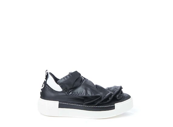 Sneaker with nylon ruches - Black
