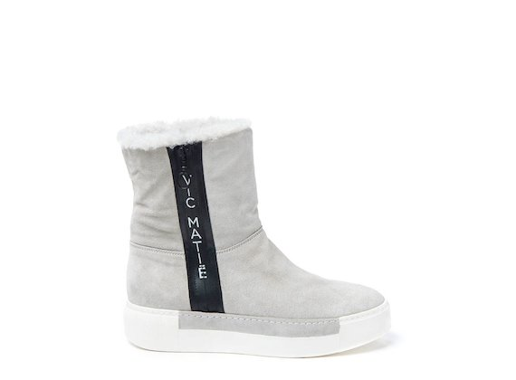 Ice sheepskin ankle boot with logoed zip