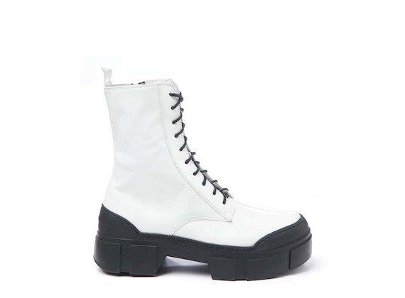 Combat boot in pelle spazzolata bianca