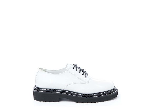 White brushed leather Derby shoe