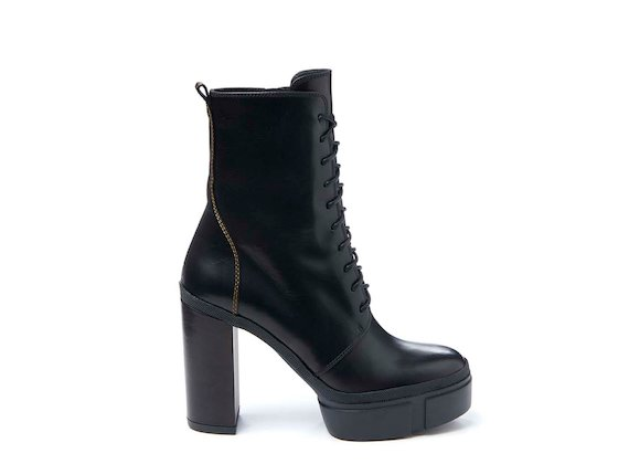 Combat boot with rubber platform