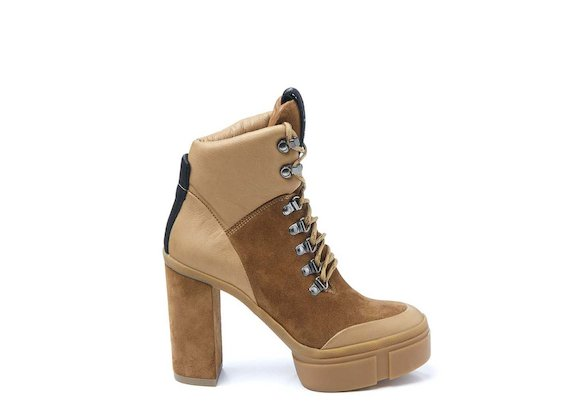 Crust leather walking boot with rubber platform