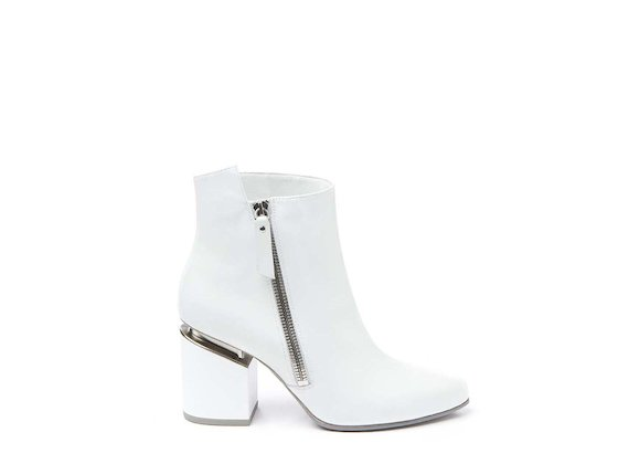White ankle boot with side zip and suspended heel