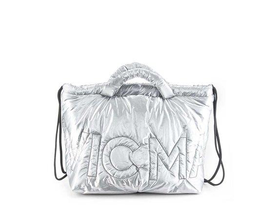 Penelope<br />Silver bag/backpack in silky nylon