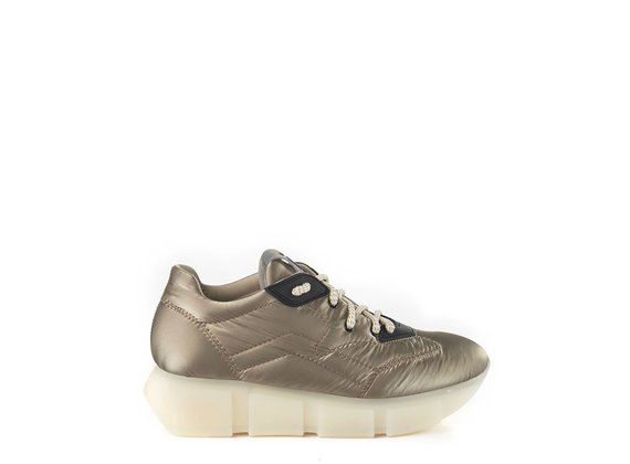 Running trainers in silky clay-grey nylon