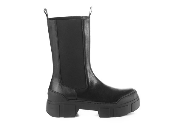 Black calfskin Beatle boots with lugged sole
