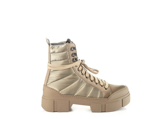 Clay-grey combat boots in calfskin/silky nylon with lugged sole