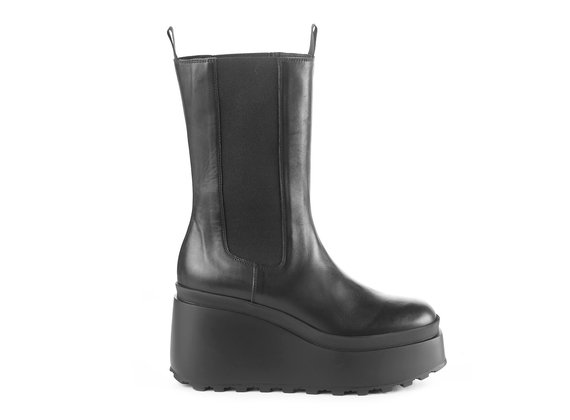 High black calfskin Beatle boots with wedge - Black