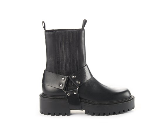 Cowboy Beatle boots in black calfskin