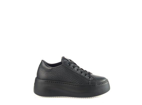 sneakers platform bassa in pelle nera