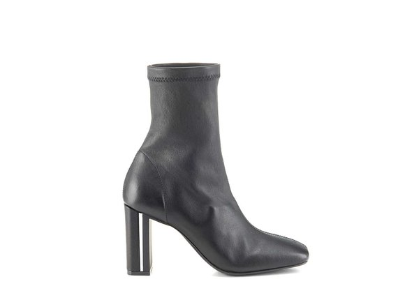 Duplex ankle boots in stretchy black nappa