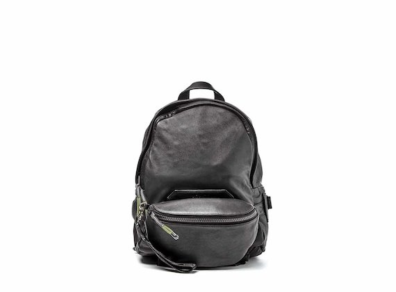 Parker<br />Black backpack with pouch