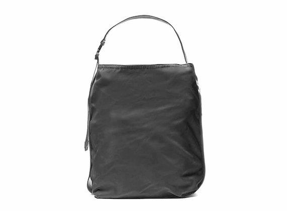 Alexis<br />Schwarze Tasche mit 3D-Logo