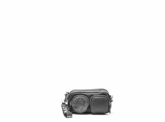 Kaila<br />Mini bag nera con maxi tasche