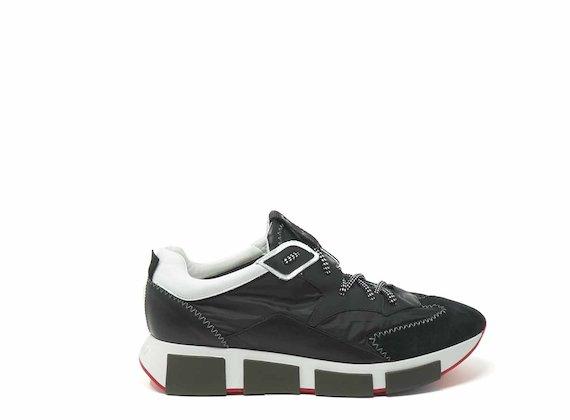 Chaussures de course blanches en nylon et cuir