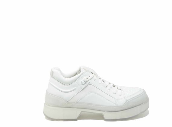Shoes with see-through lug soles