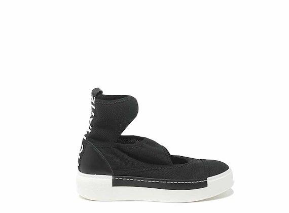 Chaussures effet chaussettes noires découpées